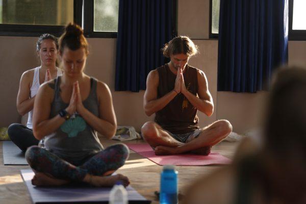 051816Bhakti-yoga-600x400.jpg
